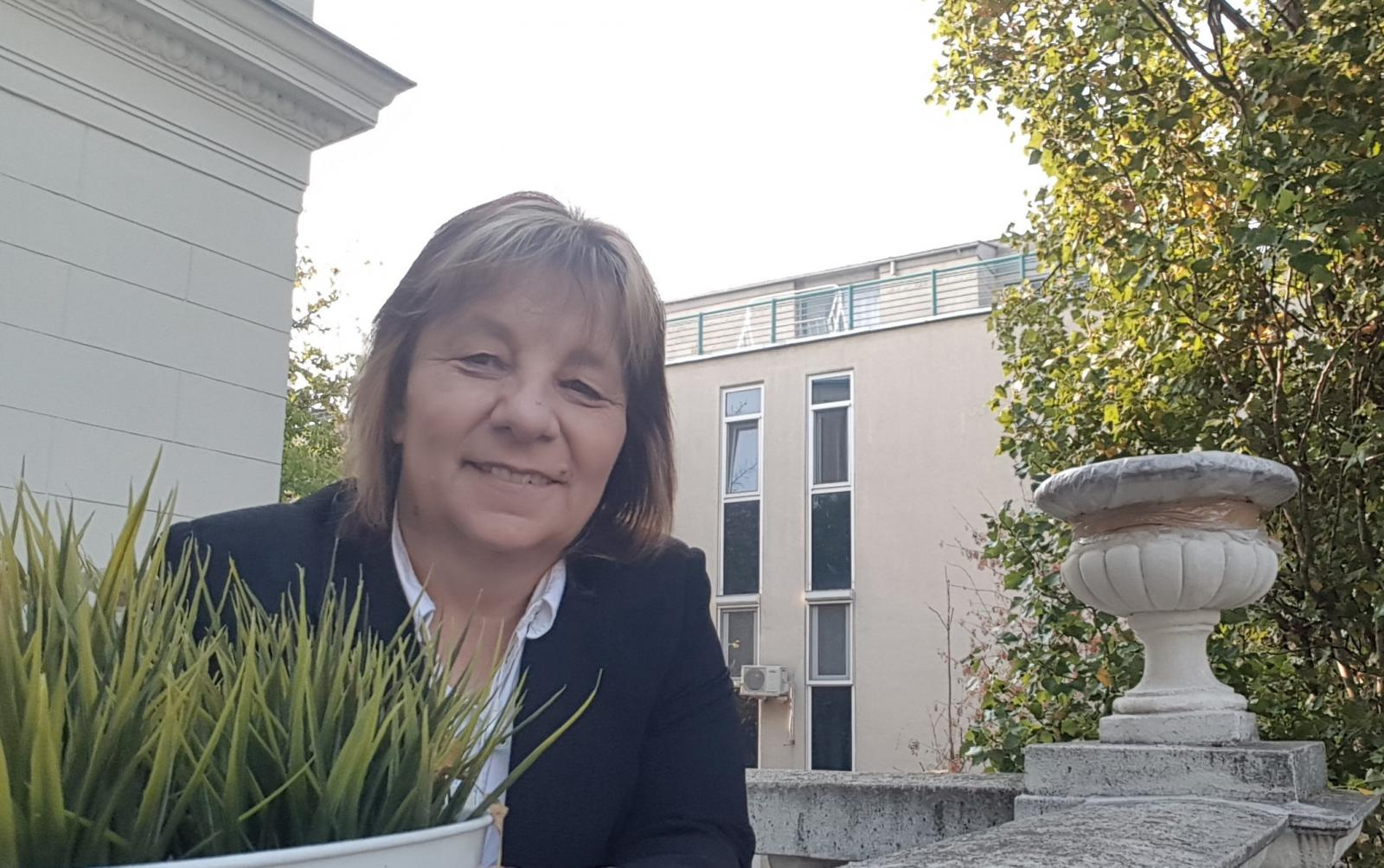 Cziráki Móni profi pénzügyi tanácsadói küldetés